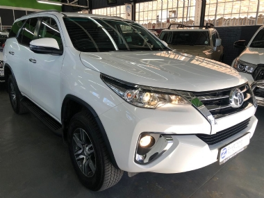 FORTUNER 2.4 GD-6 A/T -